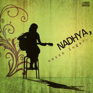 Nadhya 歌手頭像