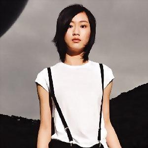Alexis Ho (何以奇)