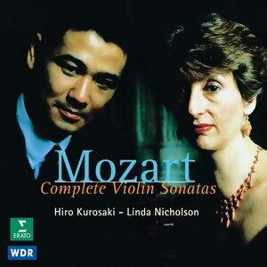 Hiro Kurosaki, Linda Nicholson 歌手頭像