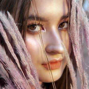 Stephanie Poetri Artist photo