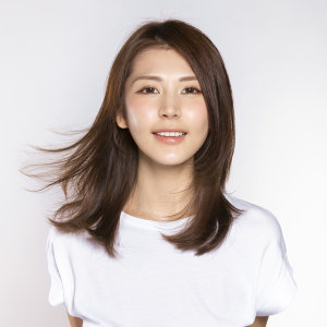 施匡翘 (Zaina Sze) Artist photo