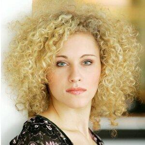 Sabrina Weckerlin 歌手頭像