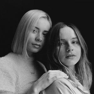 Gabrielle Aplin, Nina Nesbitt