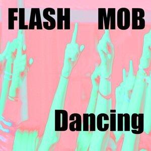 Dancing アーティスト写真