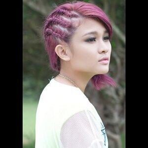蔡憶雯 (Chua Vivian) 歌手頭像
