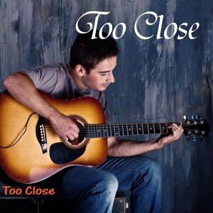 Too Close 歌手頭像