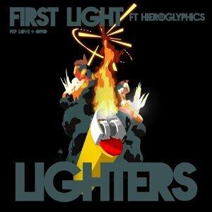 First Light 歌手頭像