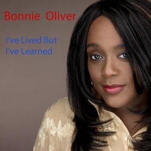 Bonnie Oliver 歌手頭像