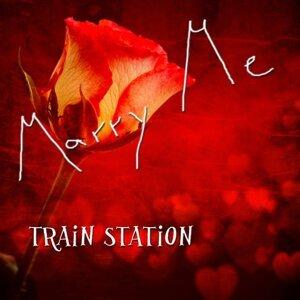 Train Station 歌手頭像