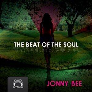 Jonny Bee 歌手頭像