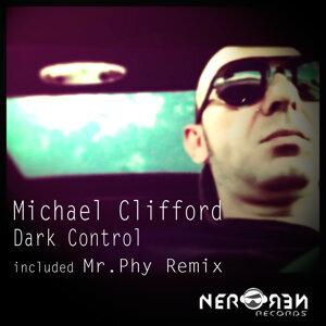Michael Clifford 歌手頭像