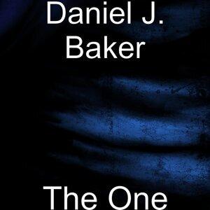 Daniel J. Baker 歌手頭像