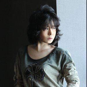 Akina Nakamori (中森明菜)