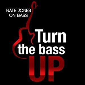 Nate Jones on Bass 歌手頭像