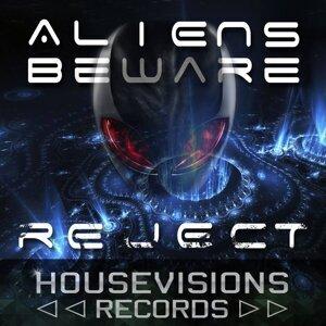 Aliens Beware 歌手頭像
