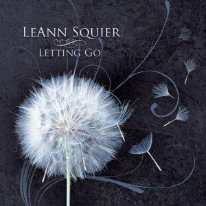 Leann Squier アーティスト写真