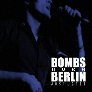 Bombs over Berlin 歌手頭像