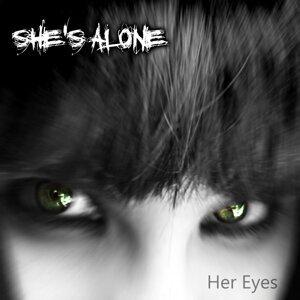 She's Alone 歌手頭像
