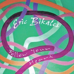 Eric Bikales アーティスト写真