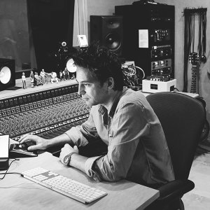 Jeff Russo 歌手頭像