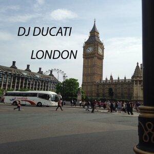 DJ Ducati アーティスト写真