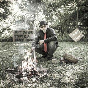 Jiggley Jones アーティスト写真