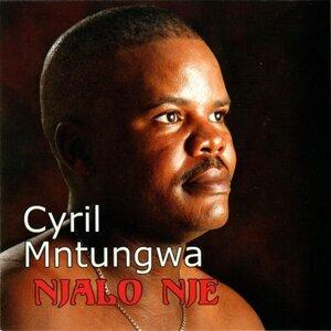 Cyril Mntungwa アーティスト写真