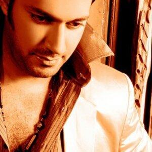 Mozaffar Al Amir 歌手頭像
