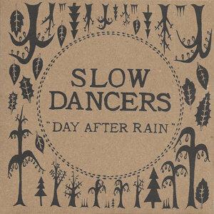 Slow Dancers アーティスト写真