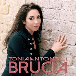 Tonia Antonelli アーティスト写真