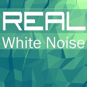 White Noise AAA 歌手頭像