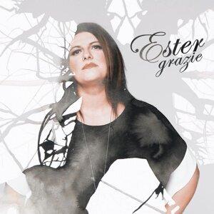 Ester 歌手頭像