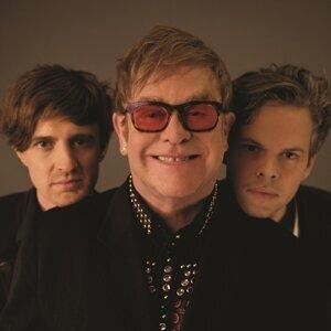 Elton John vs Pnau アーティスト写真