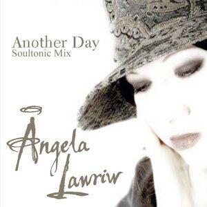 Angela Lawriw 歌手頭像