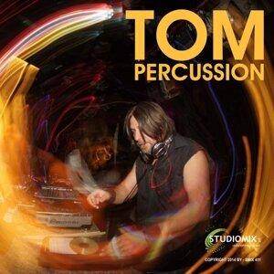 Tom Percussion アーティスト写真