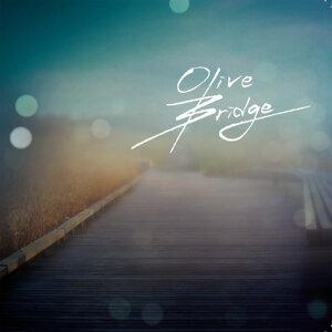Olive Bridge アーティスト写真