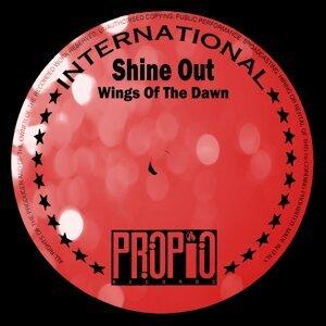 Shine Out 歌手頭像