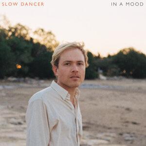 Slow Dancer アーティスト写真