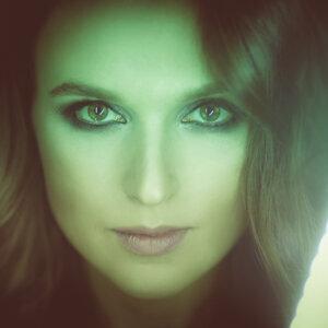 Анна Пасаман 歌手頭像