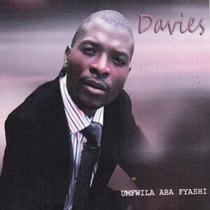 Davies 歌手頭像
