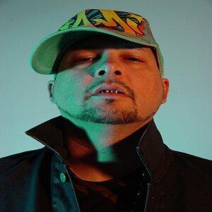 Chico DLX 歌手頭像