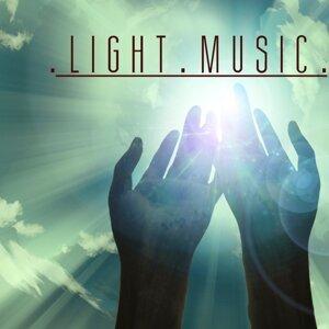 Light Music Guru 歌手頭像