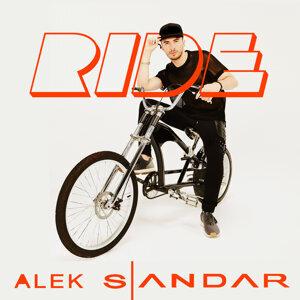 Alek Sandar 歌手頭像