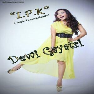 Dewi Gayatri 歌手頭像