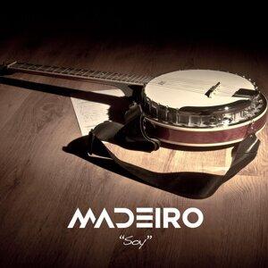 Madeiro 歌手頭像