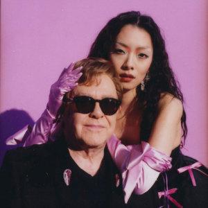 Rina Sawayama, Elton John 歌手頭像