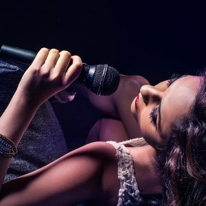Anushka J 歌手頭像