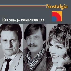 Nostalgia / Ruusuja ja romantiikkaa アーティスト写真