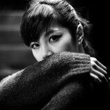 阎韦伶 (Olivia Yan) Artist photo