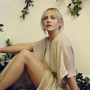 Laura Marling (蘿拉曼寧)